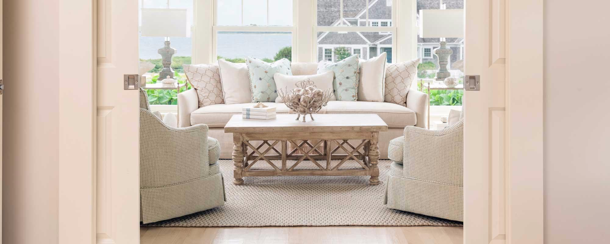 custom-sofa-and-pillows